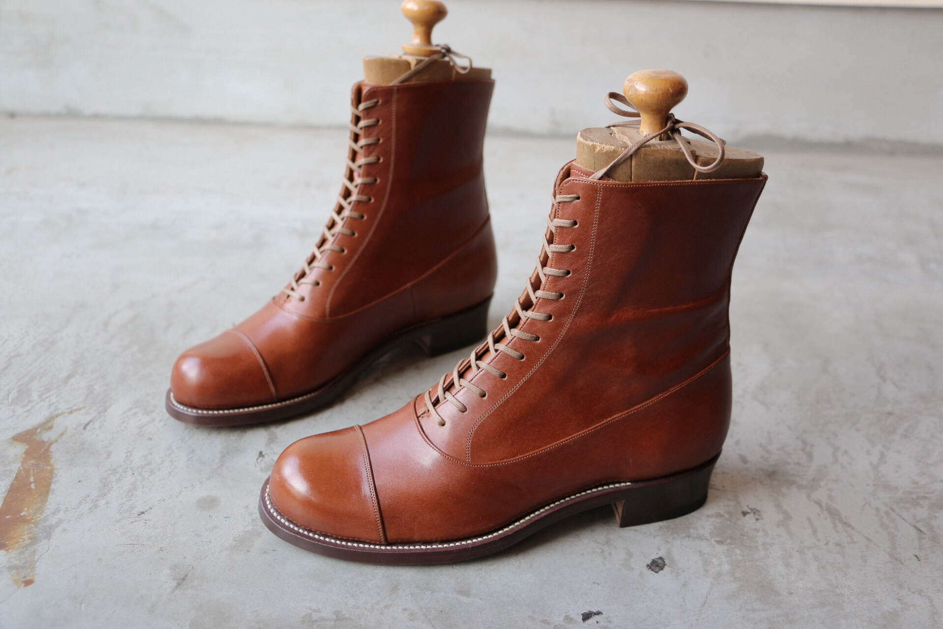 Ladies balmoral classic boots